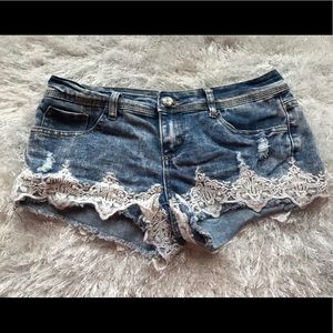 Almost Famous jeans shorts